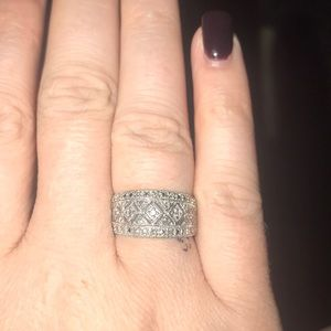 Kay Jewelers 10k vintage right hand ring,
